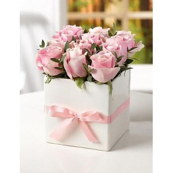 Σύνθεση με 12 Ροζ  Τριαντάφυλλα